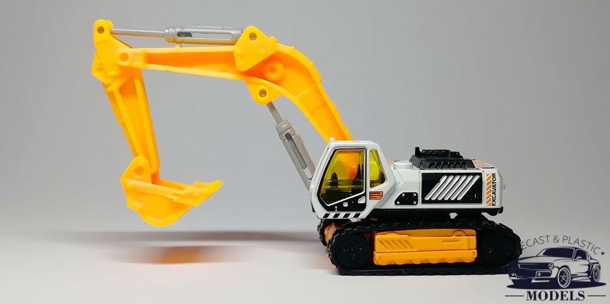 MBX EXCAVATOR SVL900